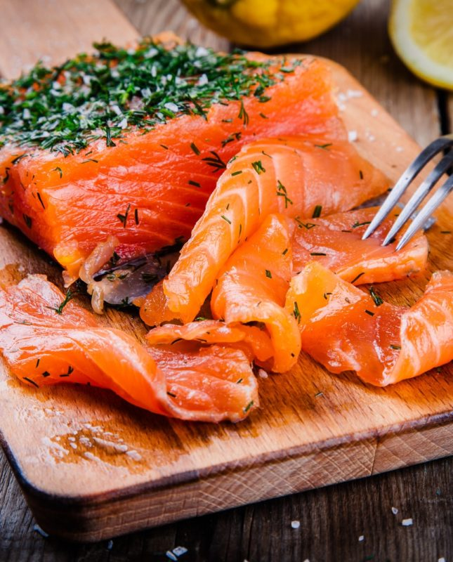 homemades gravlax with dill